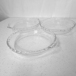 Pyrex Scalloped Pie Plates #229 - Set of 3